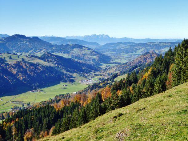 Westallgäuer Wanderwochen - Panoramawanderung Alpsee - Aufstieg mit Aussicht
