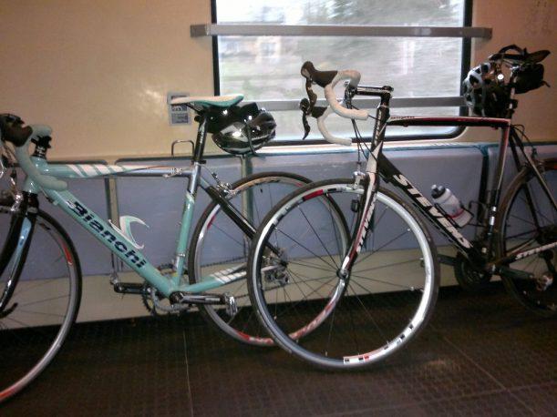 Rennrad Transport mithilfe der Bahn
