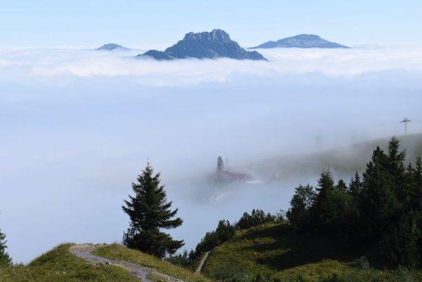 Tannheimer Tal - Der Schmugglerweg führt heute über ein Nebelmeer