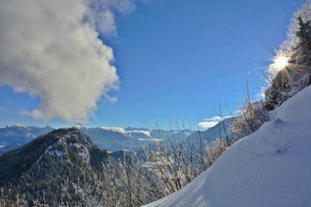 3. Falkenstein Blick Zugspitze mit Sonnenstrahlen
