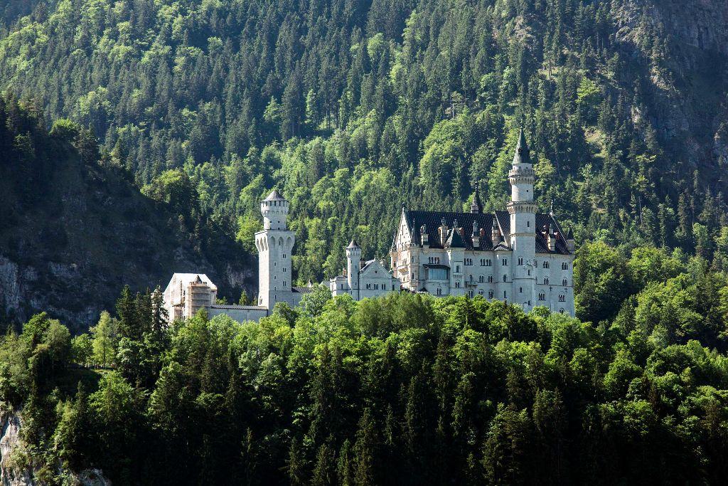 Das Schloss Neuschwanstein bei Füssen.