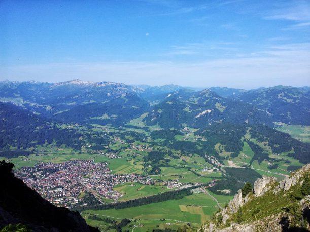 Aussicht ins Tal der Allgäuer Alpen