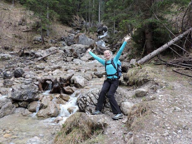 Micha freut sich über die Wanderung in Tirol