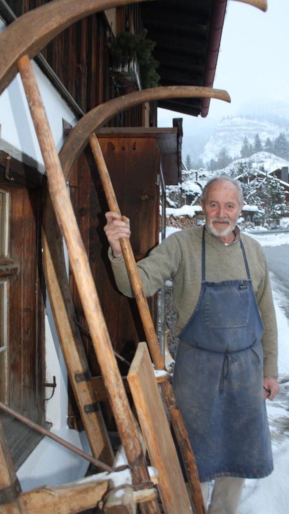 Rudolf Finkel baut Hörnerschlitten