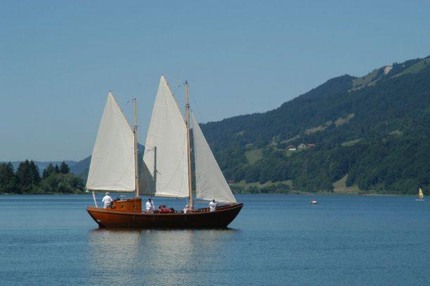 Das Passagier-Schiff Lädine, Santa Maria Loreto unter Segeln