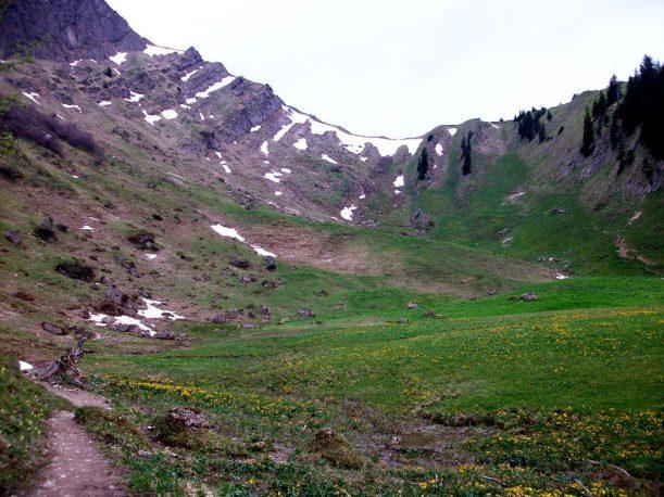 Auf dem Wanderweg zur Alpe Gund