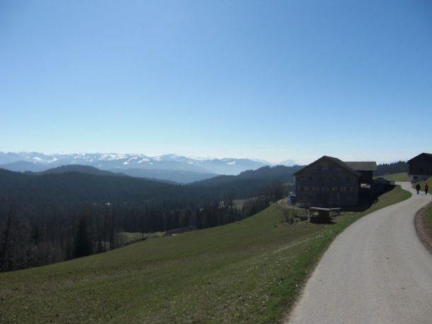 Schönes Bergpanorama auf dem Käselehrpfad
