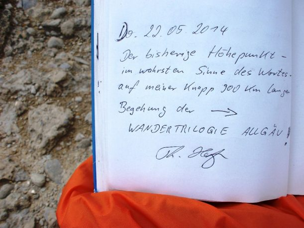 Die Wandertrilogie Allgäu ist im Gipfelbuch verewigt