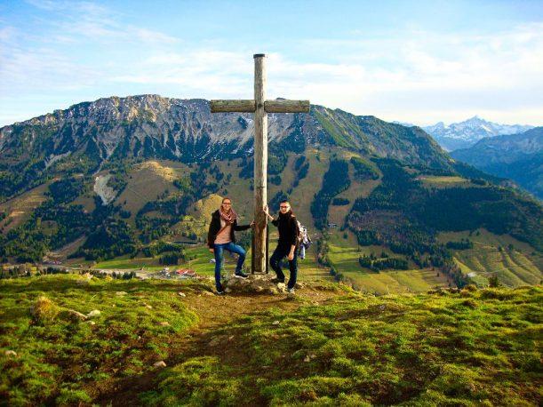 Endlich am Gipfelkreuz am Jochschrofen angekommen