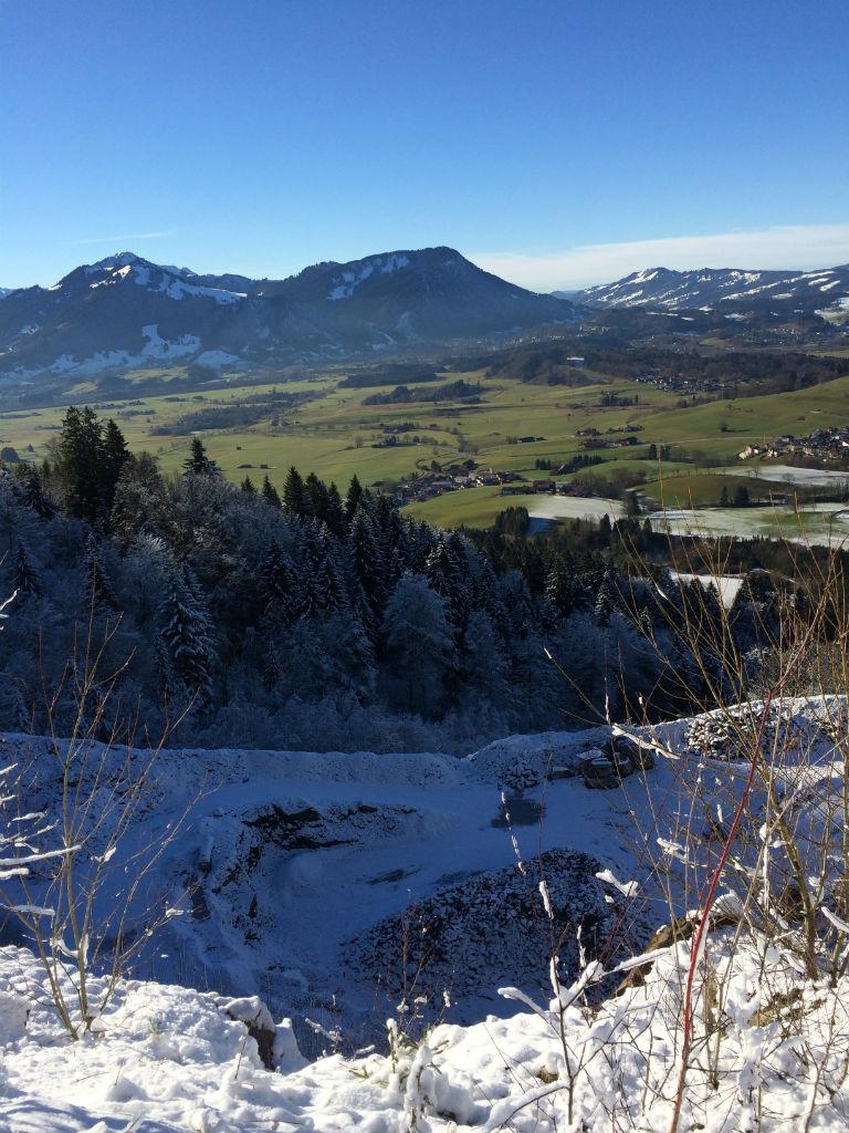 Blick ins Tal in den Allgäuer Alpen