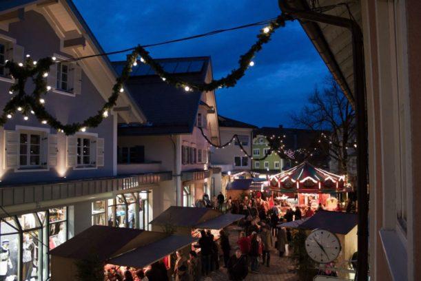 Marktoberdorfer Weihnachtmarkt in der guten Stube der Stadt. (Foto: Archiv Tourismusbüro)