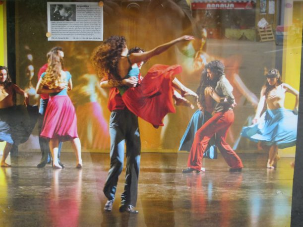 Dokumentarfilm voller Rhythmus und Farbe: Leinwandflimmern... (Foto: Christoph Thoma)