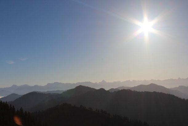 Herrlicher Sonnenuntergang in den Bergen der Allgäuer Alpen