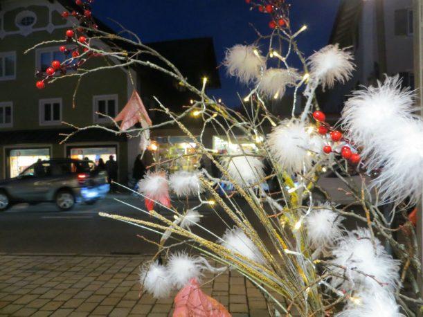 Alles glitzert und glänzt - Vorfreude auf den Weihnachtsmarkt. (Foto: Christoph Thoma)