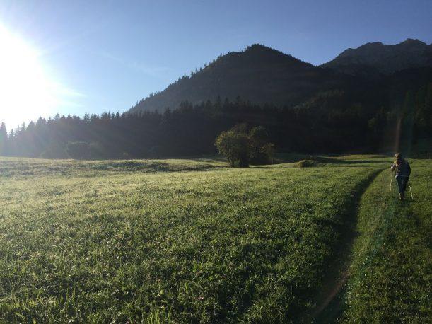 Über Felder und Wiesen zum Einstieg der Reichenbachklamm