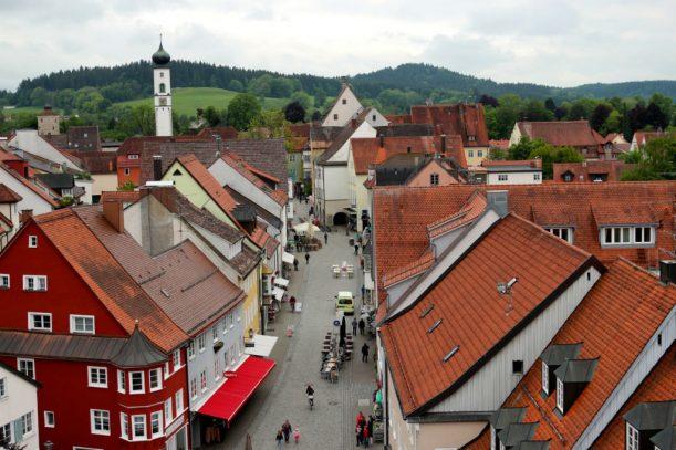 Unter uns deutsche Dächer: Blick aus der Türmer-Wohnung auf Isny
