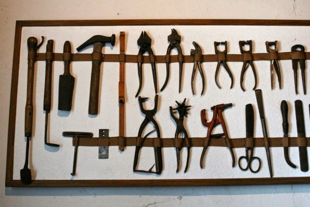 Werkzeuge: Was man braucht, um Schuhe zu machen