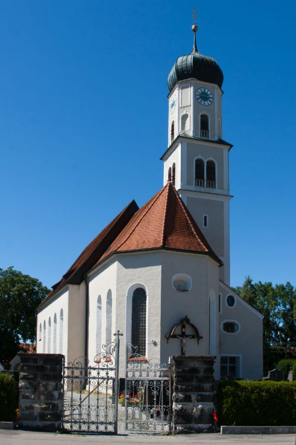 Die Pfarrkirche von Leuterschach. (Foto: Stefan Schmid)