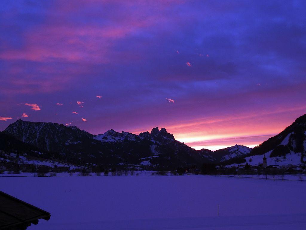 Sonnenaufgang im Winter, Tannheimer Tal, Tirol