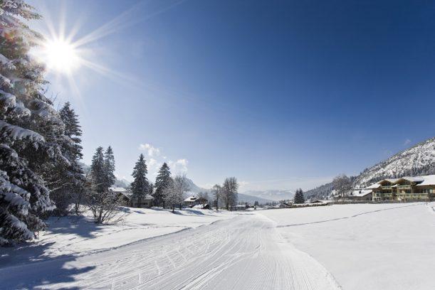 Skating und klassische Langlaufloipen sind in Oberjoch gespurt.