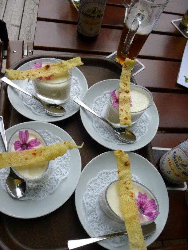 Suppe für Radler - die zarte Malve ist auch zum Essen da!