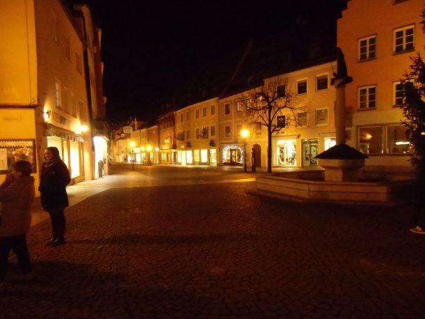 Stadtbrunnen und Reichenstraße in Füssen