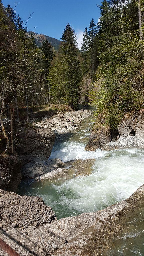 Wasserstufen auf der Wanderung durchs Ostertaltobel