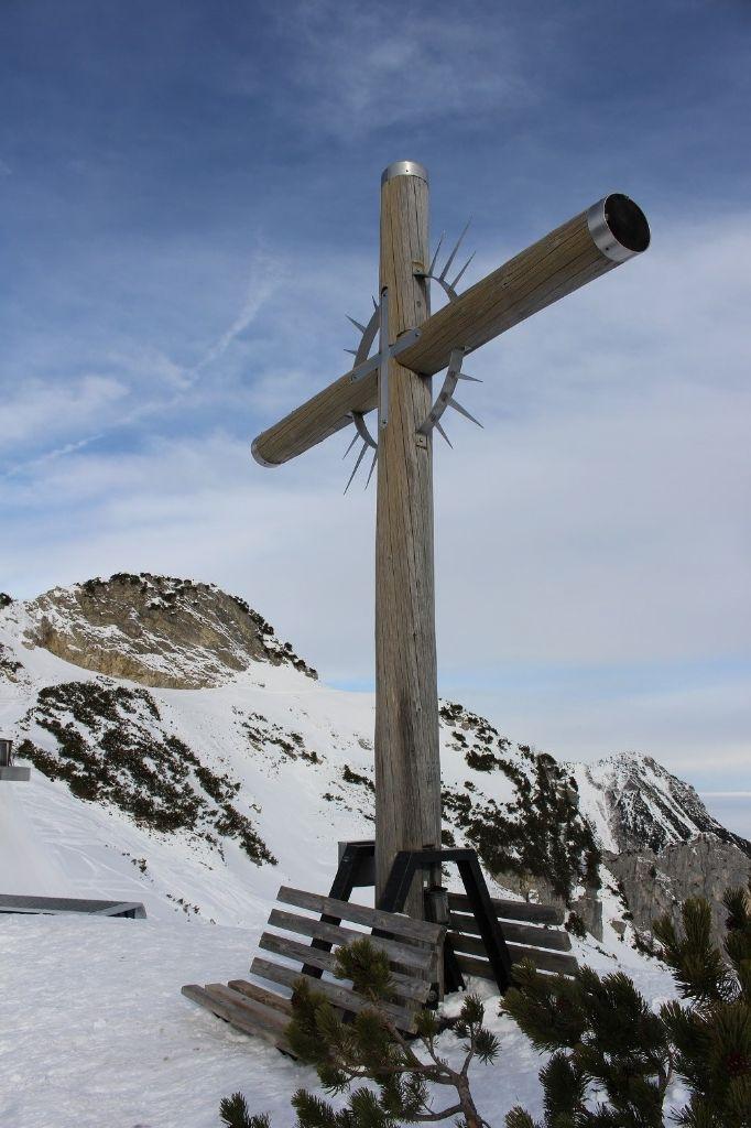 Winterwandern_gipfelkreuz